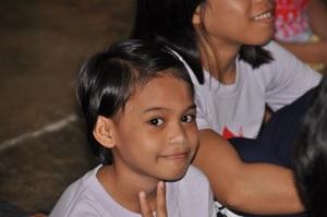 """Erstes """"DER Welt verpflichtet"""" Projekt erfolgreich abgeschlossen Schlüsselübergabe für DERPART School auf den Philippinen"""